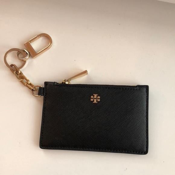 216a8b554f6a Tory Burch Robinson Leather Card Case w  Keychain.  M 5a888a3d72ea88f9aafa7324